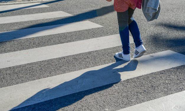 В Севастополе школьницу сбили на переходе