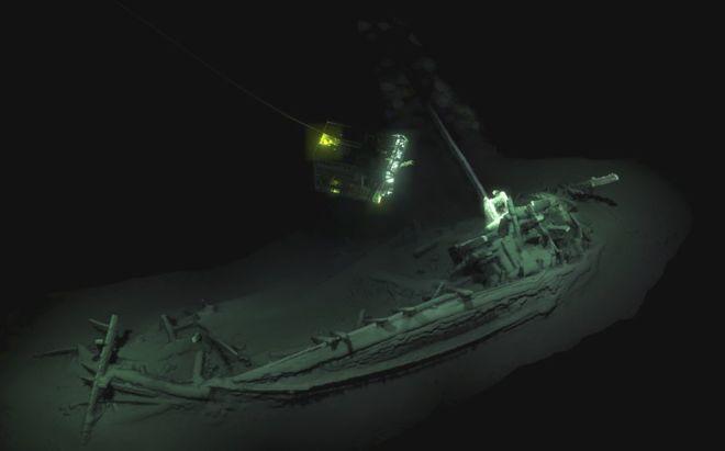 На дне Черного моря нашли античный корабль греков возрастом 2400 лет