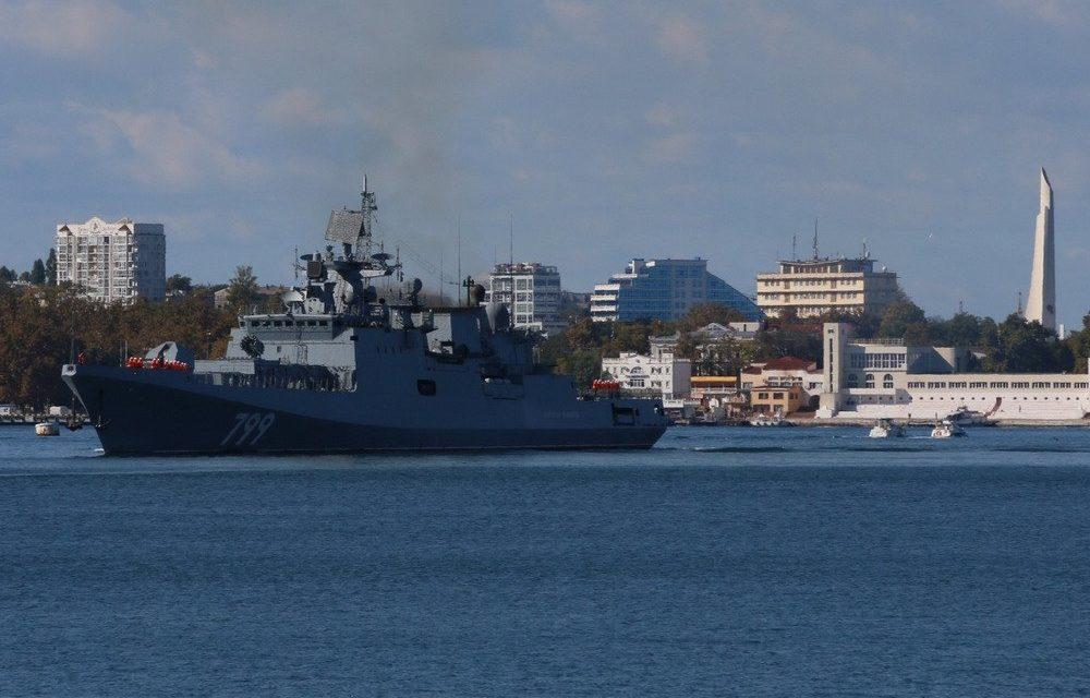 Фрегат «Адмирал Макаров» завершил межфлотский переход и прибыл в Севастополь