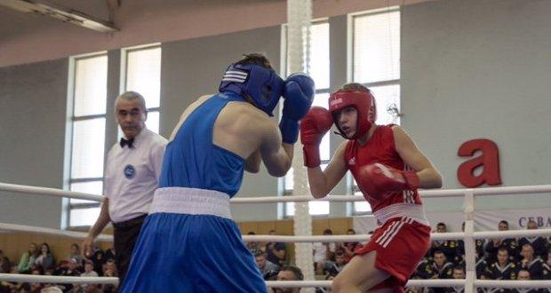 Санкт-Петербург и Севастополь встретились на ринге