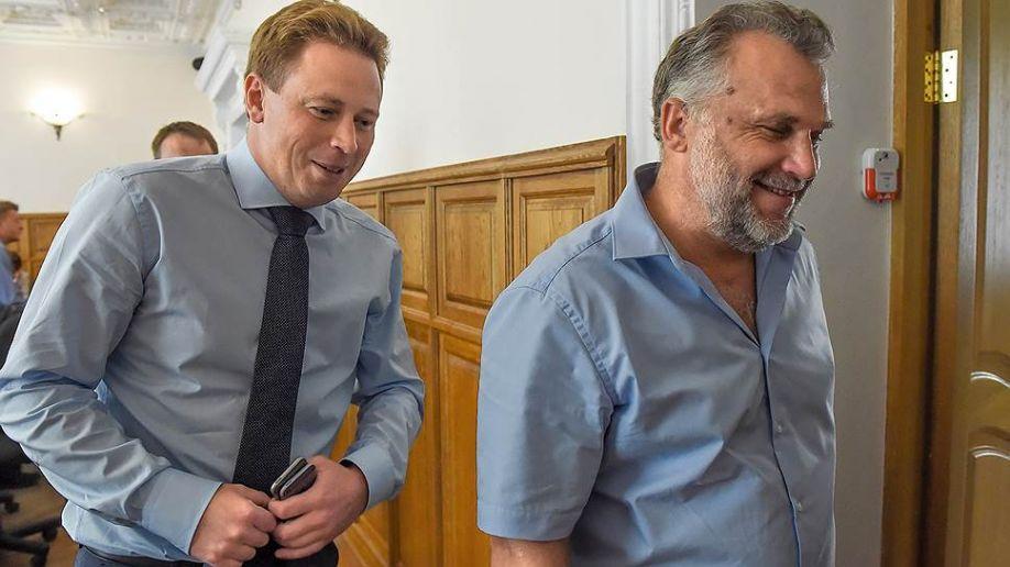 Во время речи перед заксобранием Чалый обвинил Овсянникова в организации ОПГ