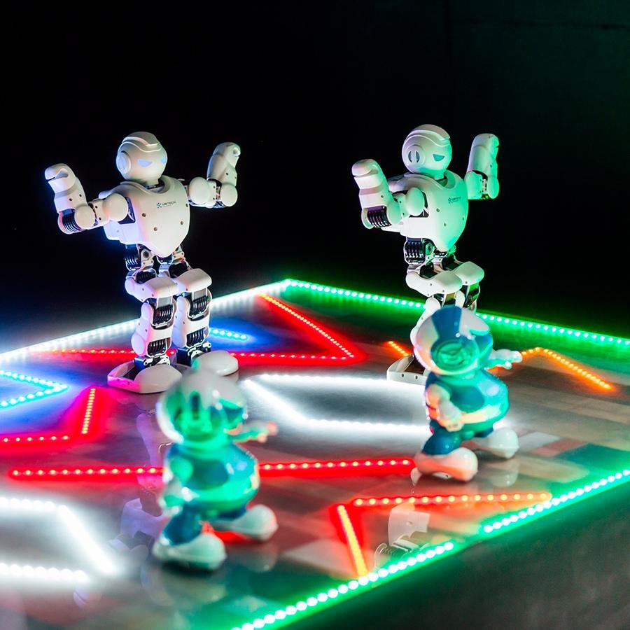 «Робополис» — развлекательный центр, оформленный в стиле научно-технической новинки