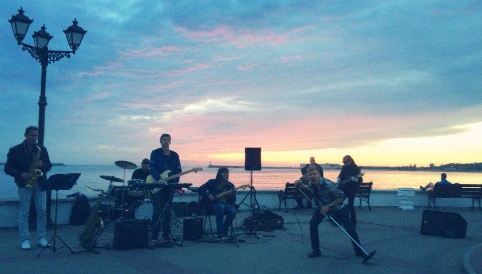Правительство Севастополя легализовало и ограничило деятельность уличных музыкантов