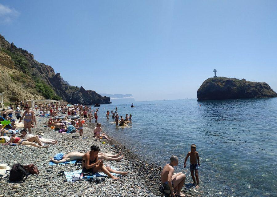 Губернатор Севастополя возмутился состоянием муниципальных пляжей