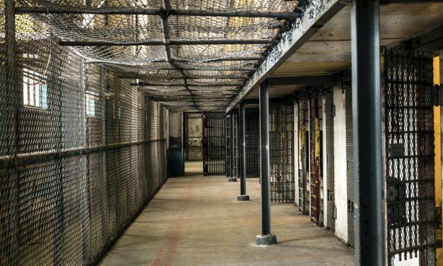 Кладбищенский педофил-иностранец осужден в Севастополе на 14 лет