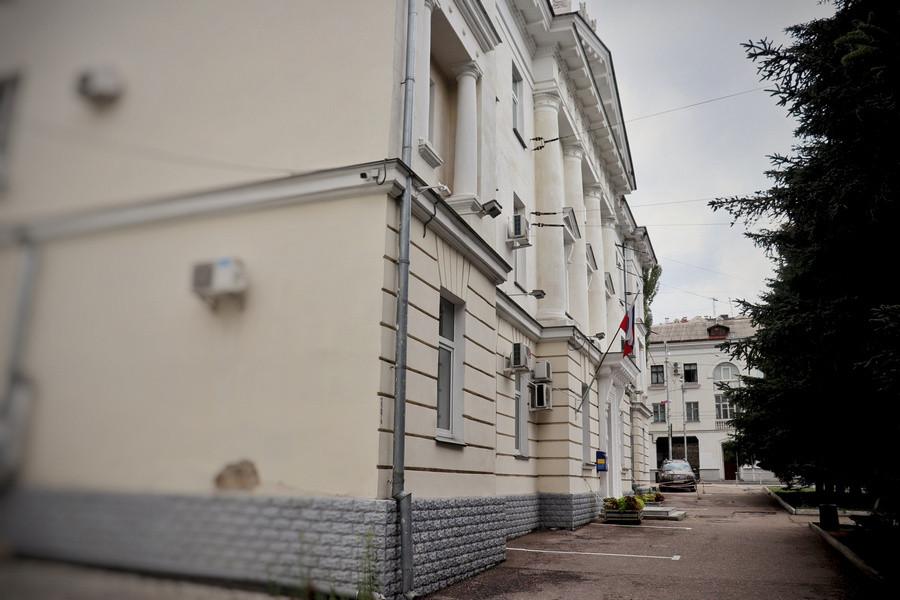Пьяный хулиган надругался над флагами России и Севастополя