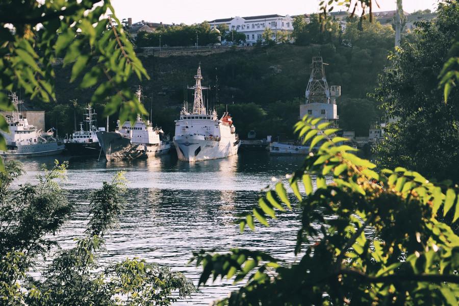 Прохладная пятница и жаркие выходные приходят в Севастополь