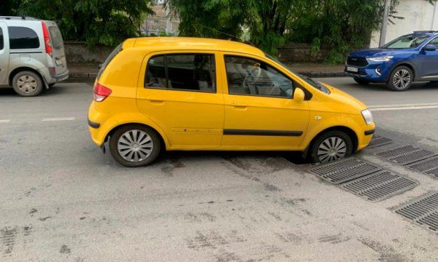 Провал новой ливневки стал причиной аварий и огромных пробок в Севастополе