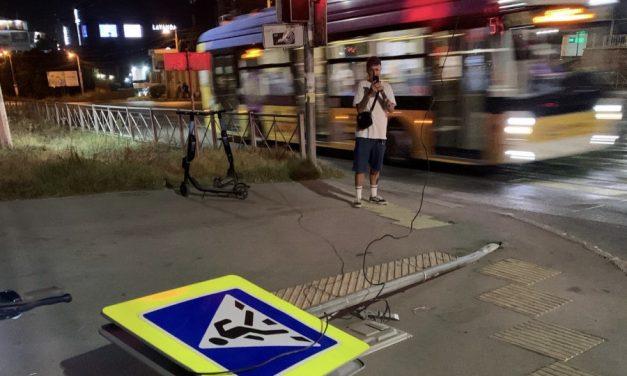 В Севастополе автоледи «положила» дорожный знак