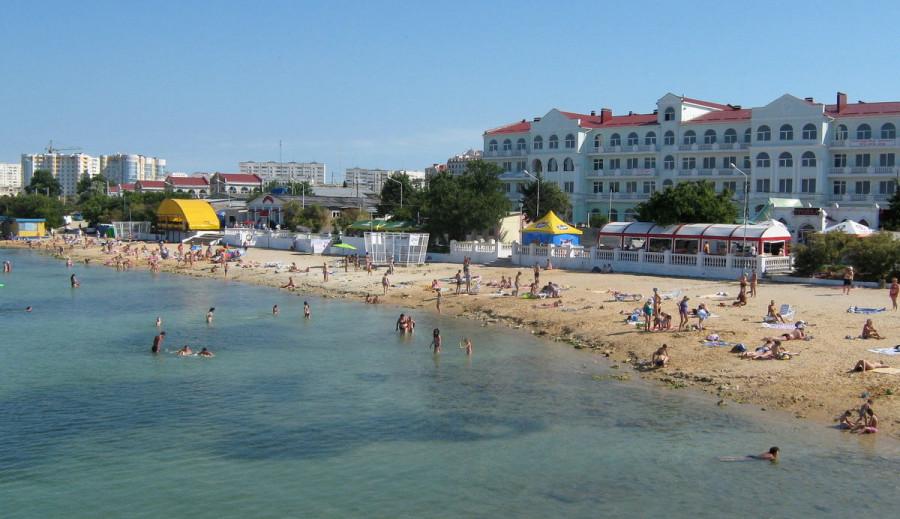В Севастополе ищут очевидцев ДТП и сбежавшего водителя