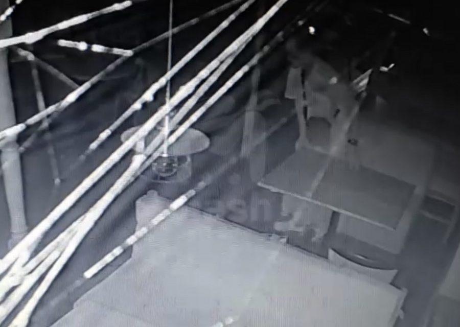 В Севастополе ночной гость пробрался в ресторан и съел завтрак охранника