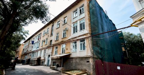 В Севастополе приступили к капитальному ремонту многоквартирного дома – объекта культурного наследия