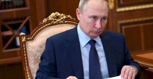 Владимир Путин поручил Правительству разработать план реконструкции зданий центрального городского кольца Севастополя