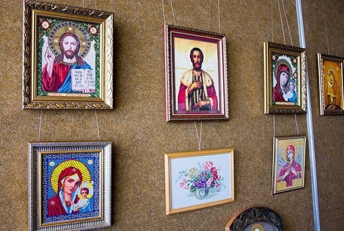 Выставка «Святая нить»
