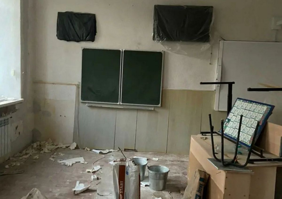 За неделю до 1 сентября школа в Севастополе стоит в разрухе