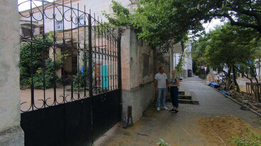 «Проверено. Мин нет»: в Севастополе сохранят историческую надпись