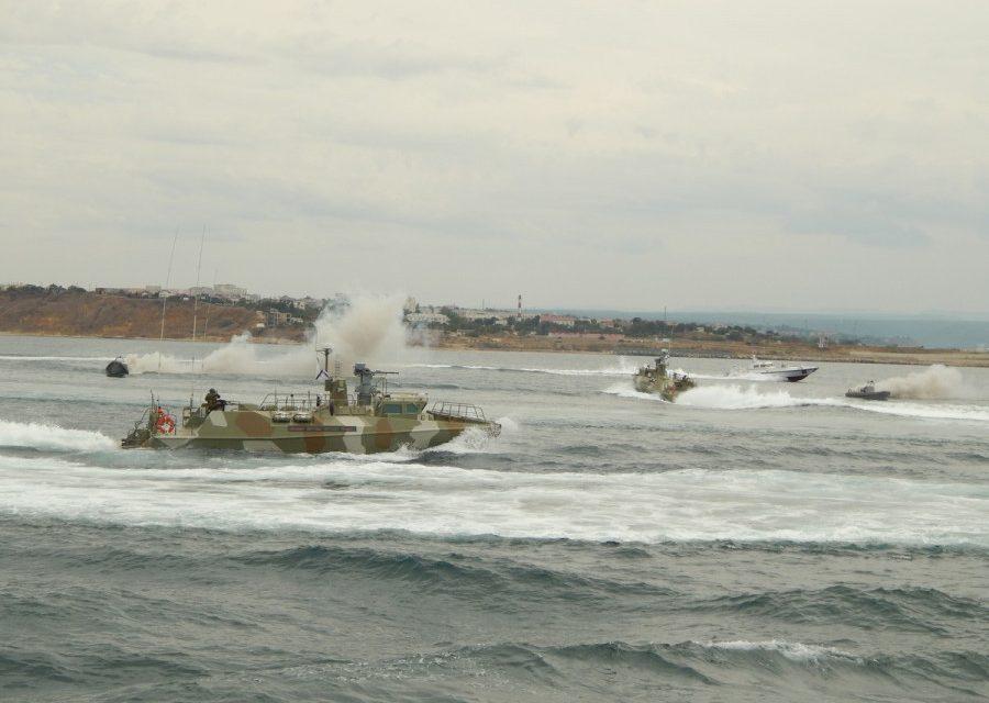 «Рапторы» Черноморского флота перехватили неопознанные катера в Чёрном море