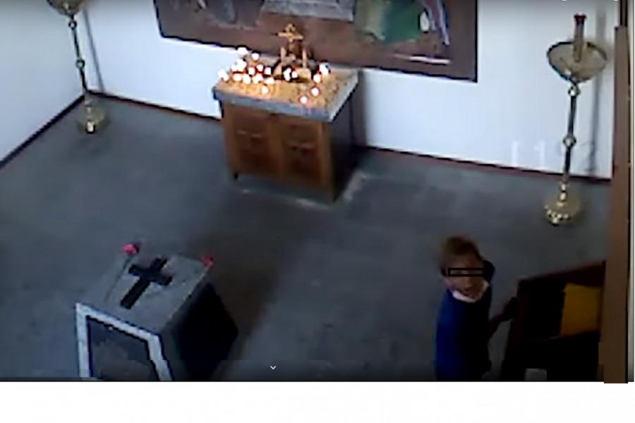 Севастопольская полиция разыскивает покусившихся на пожертвования храму подростков
