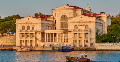 Севастопольские пенсионеры уже получают единовременную выплату в размере 10 тысяч рублей