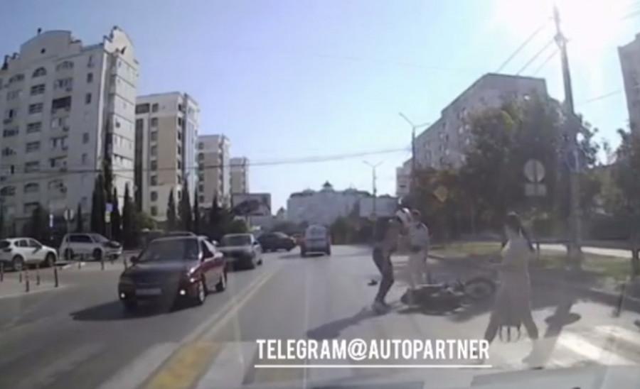 В Севастополе сбитый пешеход чуть не избил мотоциклиста