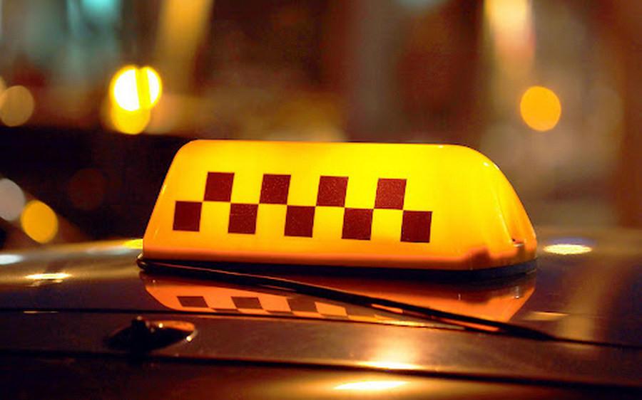 В Севастополе таксист распылил перцовый газ в лицо женщине